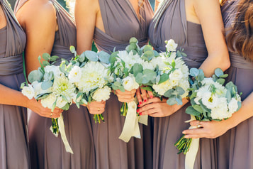 Matching bridal bouquets